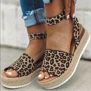 Women's size 7 cheetah print platform sandals